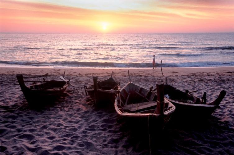 Klong Khong Beach ,Ko Lanta